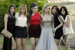 Мирьям и ее 5 сестер. Всего в семье Мирьям 6 девочек! Наверное, папа очень хотел сына :)