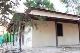Гипсовое строение на территории комплекса дома Бен-Гуриона.