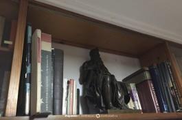 Статуя Моисея в кабинете Бен-Гуриона.