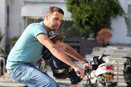 Просто люди на улицах израильских городов.и