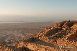 Крепость Масада в лучах восходящего солнца... Дух захватывает!