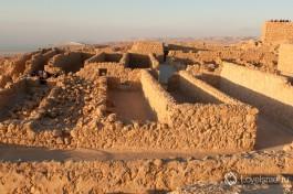 Восстановленные жилые комплексы в крепости Массада.