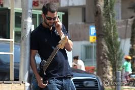 Сотовые телефоны в Израиле очень распространены, каждый уважающий себя израильтянин имеет хороший сотовый.
