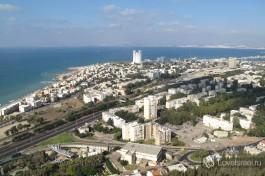 Вид на город Хайфу с горы Кармель.