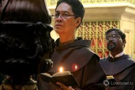 Католики. Кроме них, в Храме имеют право служить монахи всех 6-ти христианских конфессий.