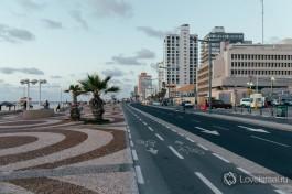 Достопримечательности. Набережная Тель-Авива. Нет ни одного человека, который был бы в городе и не прогулялся бы по этим плитам :)