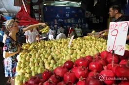 Разнообразие красок и вкусов: рынок Кармель в Тель-Авиве.