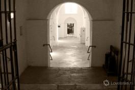 Вход в крыло, где содержались евреи - политические заключенные.