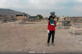Юный московский археолог на раскопках в Израиле (мой сын) :)