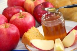 Рош ха-Шана: еврейский новый год. Яблоки с медом. Их принято есть, чтобы новый год был сладким и удачным!